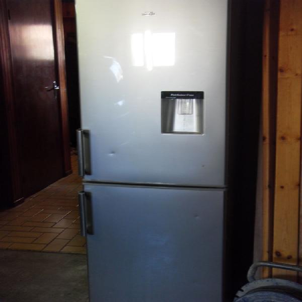 Réfrigérateur congélateur valberg