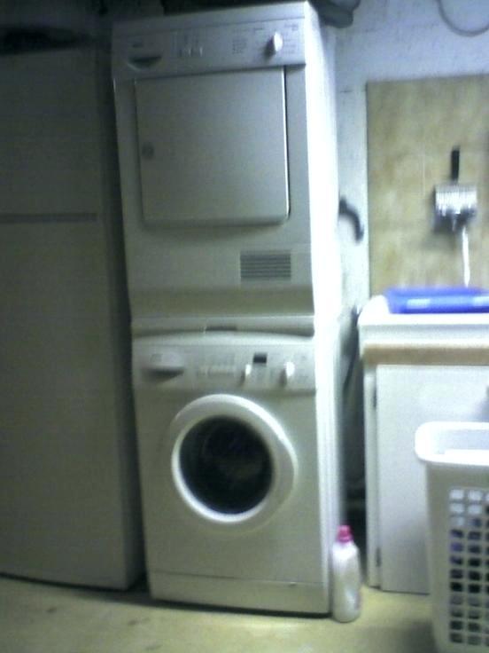 comment superposer un lave linge et un seche linge l. Black Bedroom Furniture Sets. Home Design Ideas